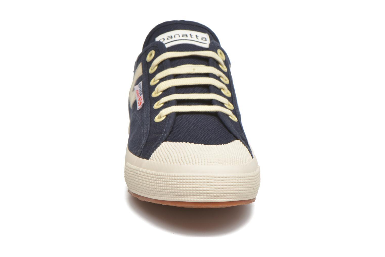 Baskets Superga 2750 Cotu Panatta Bleu vue portées chaussures