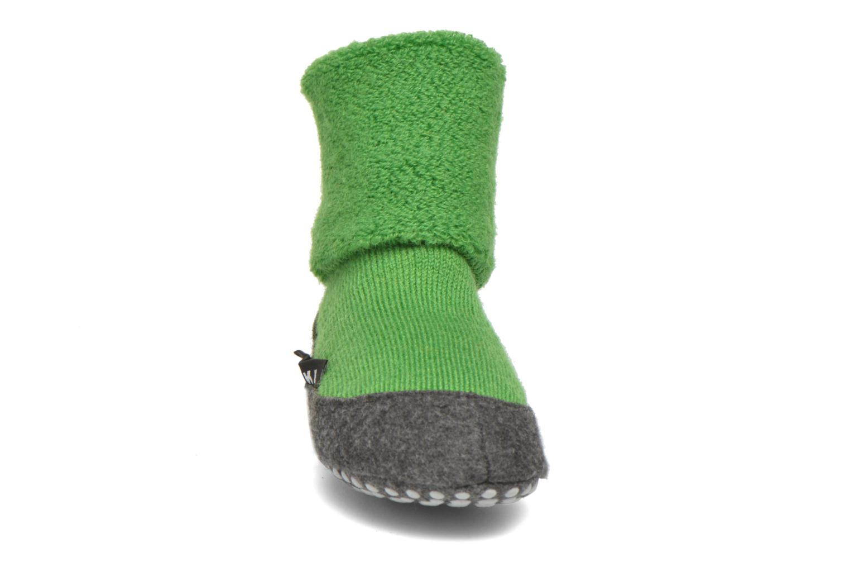 Chaussettes et collants Falke Chaussons-chaussettes Cosyshoes Vert vue portées chaussures