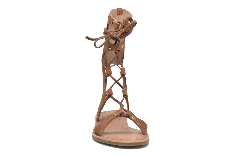 Sandales et nu-pieds Les Tropéziennes par M Belarbi Baktal Marron vue portées chaussures