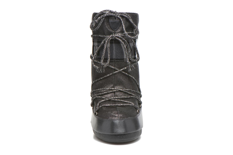 Bottes Moon Boot Delux E Noir vue portées chaussures
