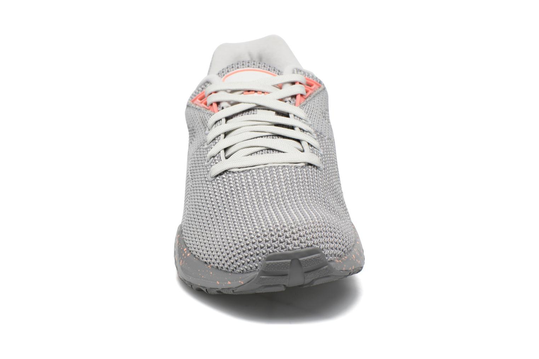 Baskets Puma R698 Knit Mesh v2 Wn's Gris vue portées chaussures