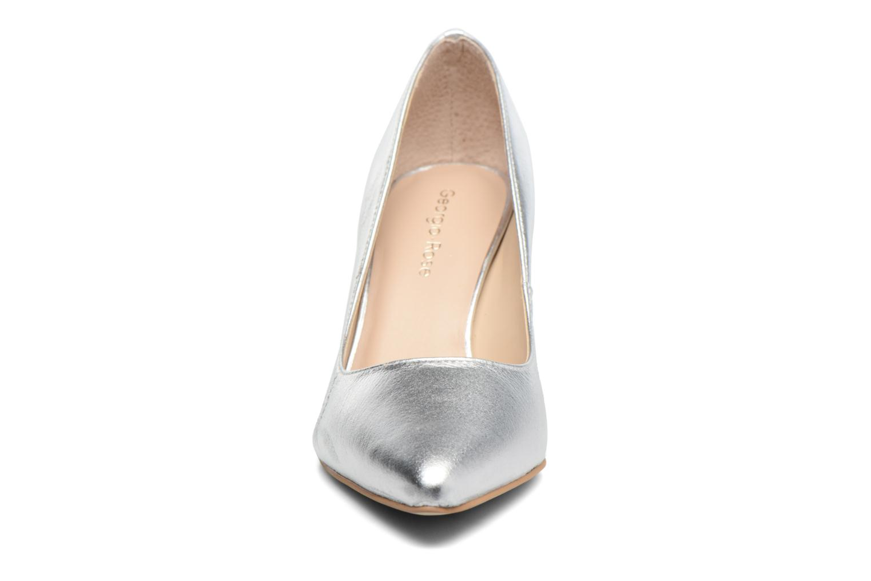 Zapatos de tacón Georgia Rose Gatou Plateado vista del modelo