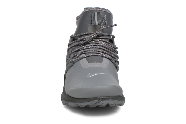 Sneaker Nike W Air Presto Mid Utility grau schuhe getragen
