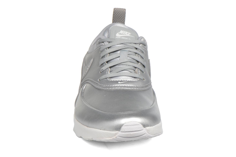 Baskets Nike W Nike Air Max Thea Se Argent vue portées chaussures