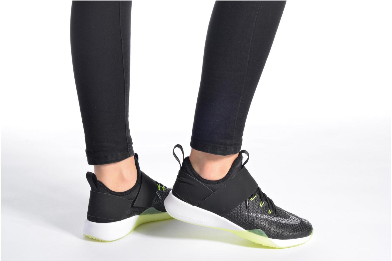 Chaussures de sport Nike Wmns Nike Air Zoom Strong Noir vue bas / vue portée sac