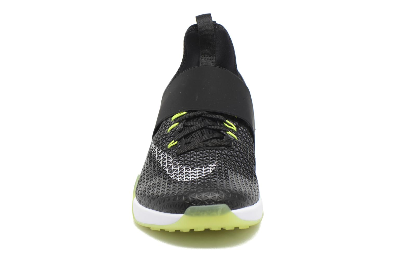 Scarpe sportive Nike Wmns Nike Air Zoom Strong Nero modello indossato