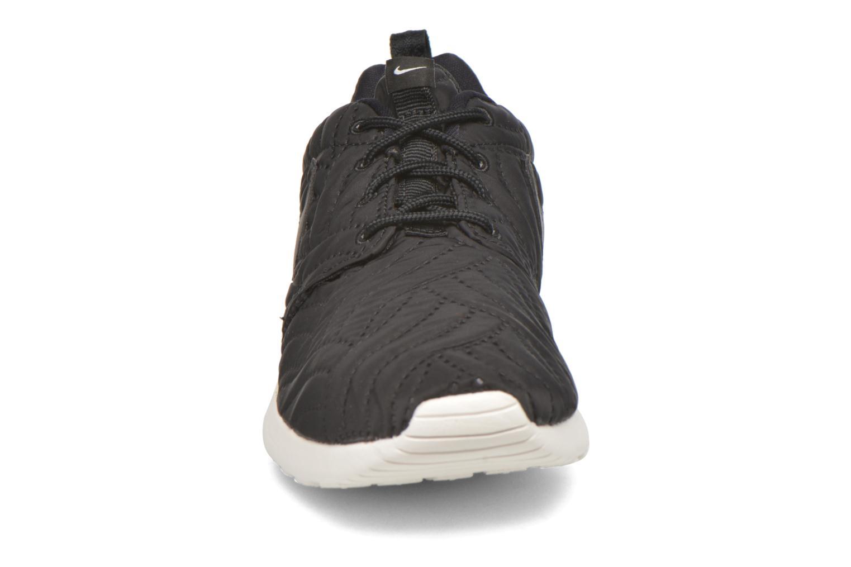 Sneakers Nike Wmns Nike Roshe One Prm Nero modello indossato