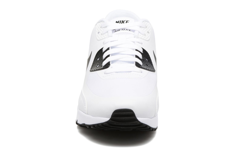 Baskets Nike Air Max 90 Ultra 2.0 Essential Blanc vue portées chaussures