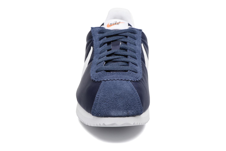 Baskets Nike Classic Cortez Nylon Prem Bleu vue portées chaussures