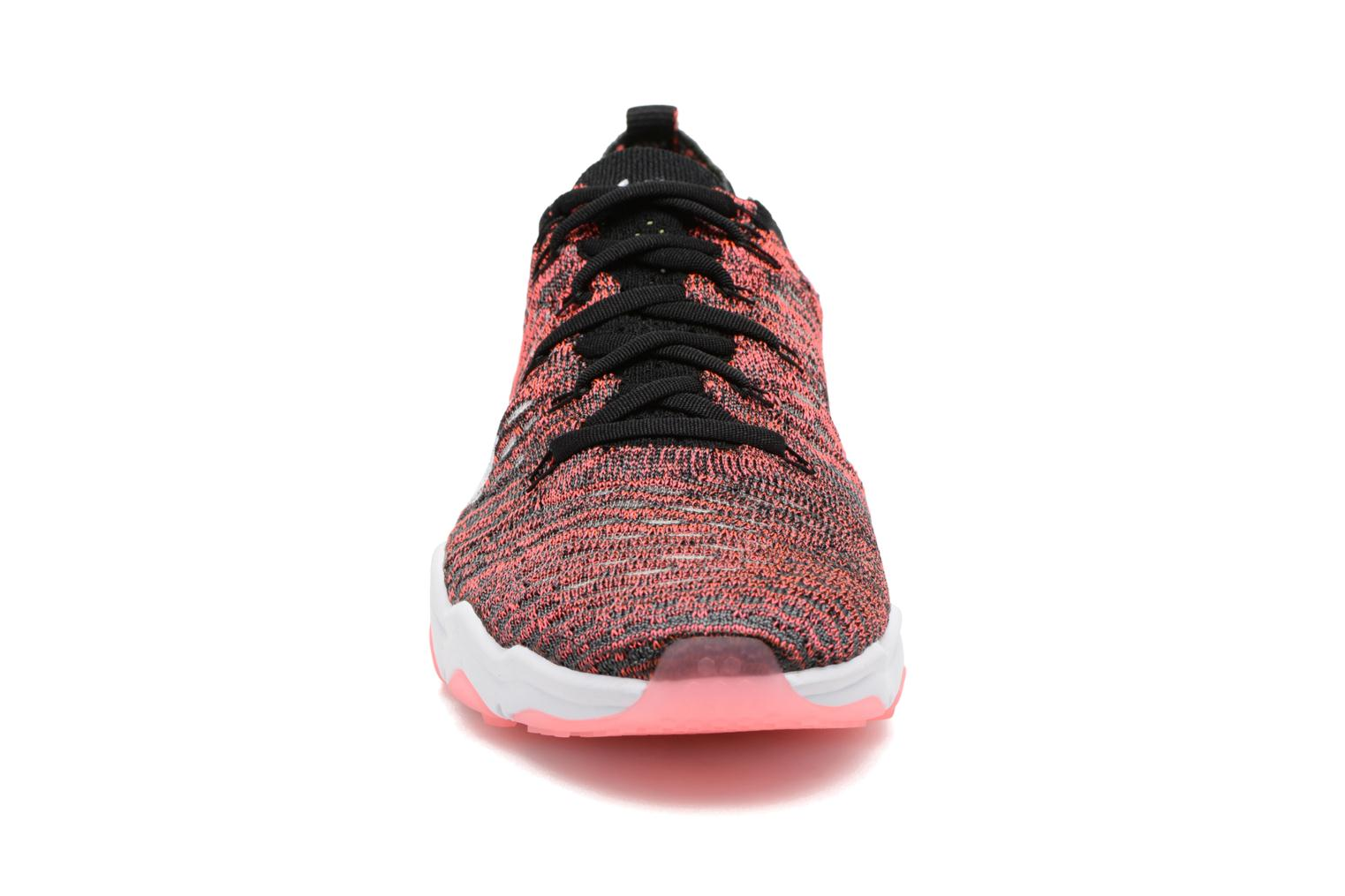 Chaussures de sport Nike W Air Zoom Fearless Flyknit Multicolore vue portées chaussures