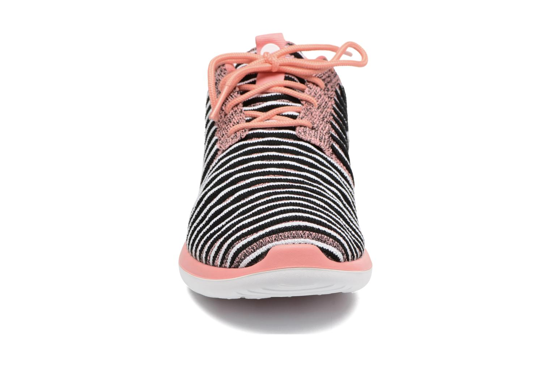 Baskets Nike W Nike Roshe Two Flyknit Orange vue portées chaussures