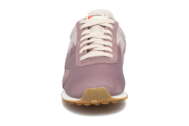Baskets Nike W Pre Montreal Racer Vntg Violet vue portées chaussures