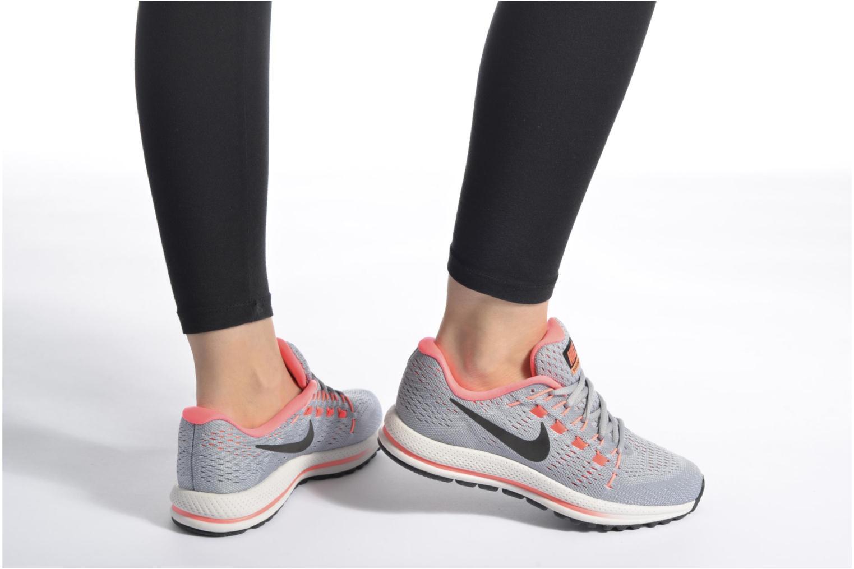 Chaussures de sport Nike Wmns Nike Air Zoom Vomero 12 Bleu vue bas / vue portée sac