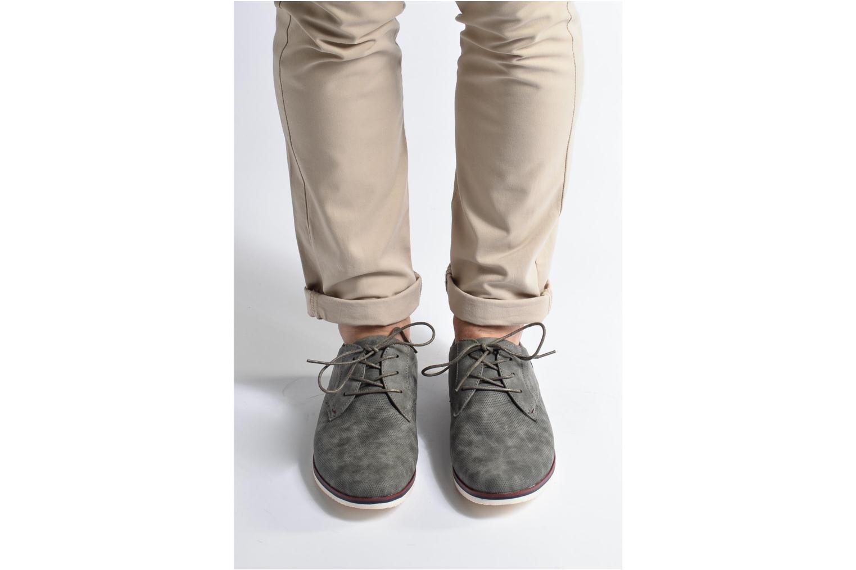 Schnürschuhe I Love Shoes KEHOLE grau ansicht von unten / tasche getragen