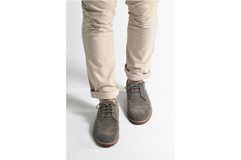 Schnürschuhe I Love Shoes KERED grau ansicht von unten / tasche getragen