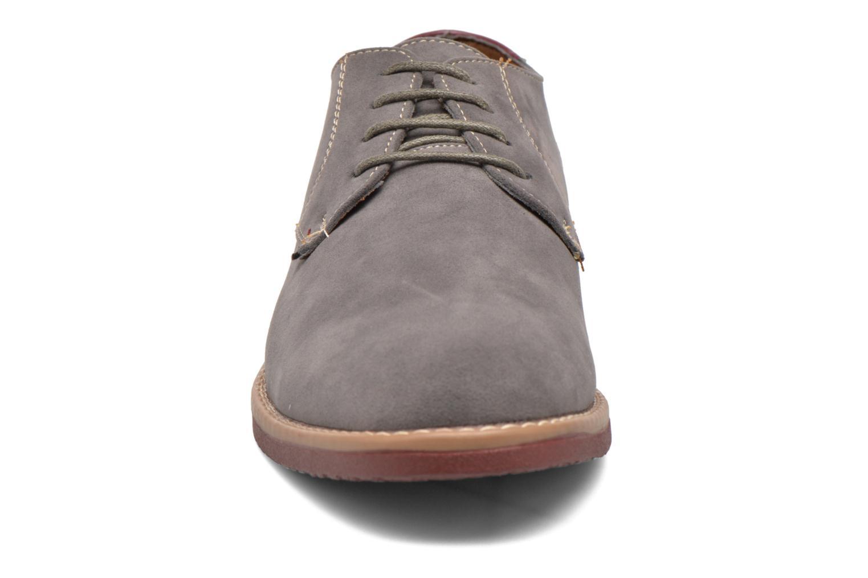 Chaussures à lacets I Love Shoes KERED Gris vue portées chaussures