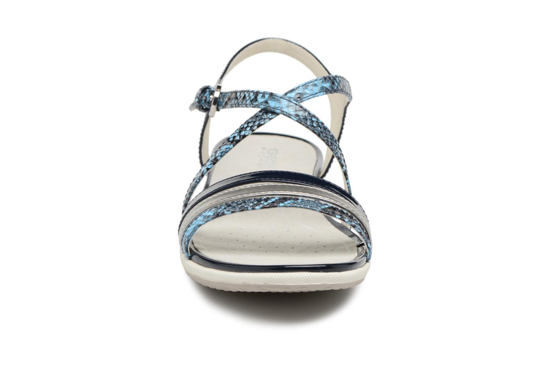 Sandali e scarpe aperte Geox D SAND.VEGA C D62R6C Azzurro modello indossato