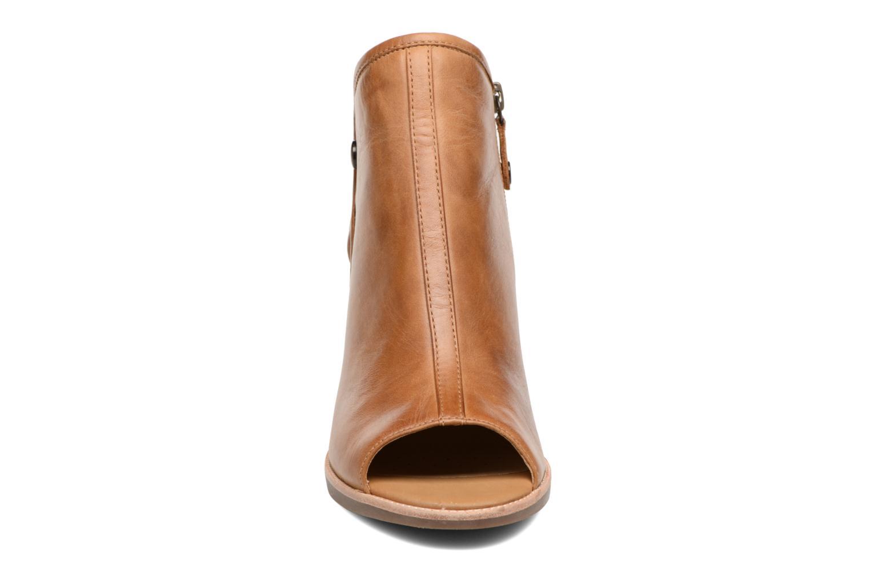 Bottines et boots Geox D NEW CALLIE B D7240B Marron vue portées chaussures