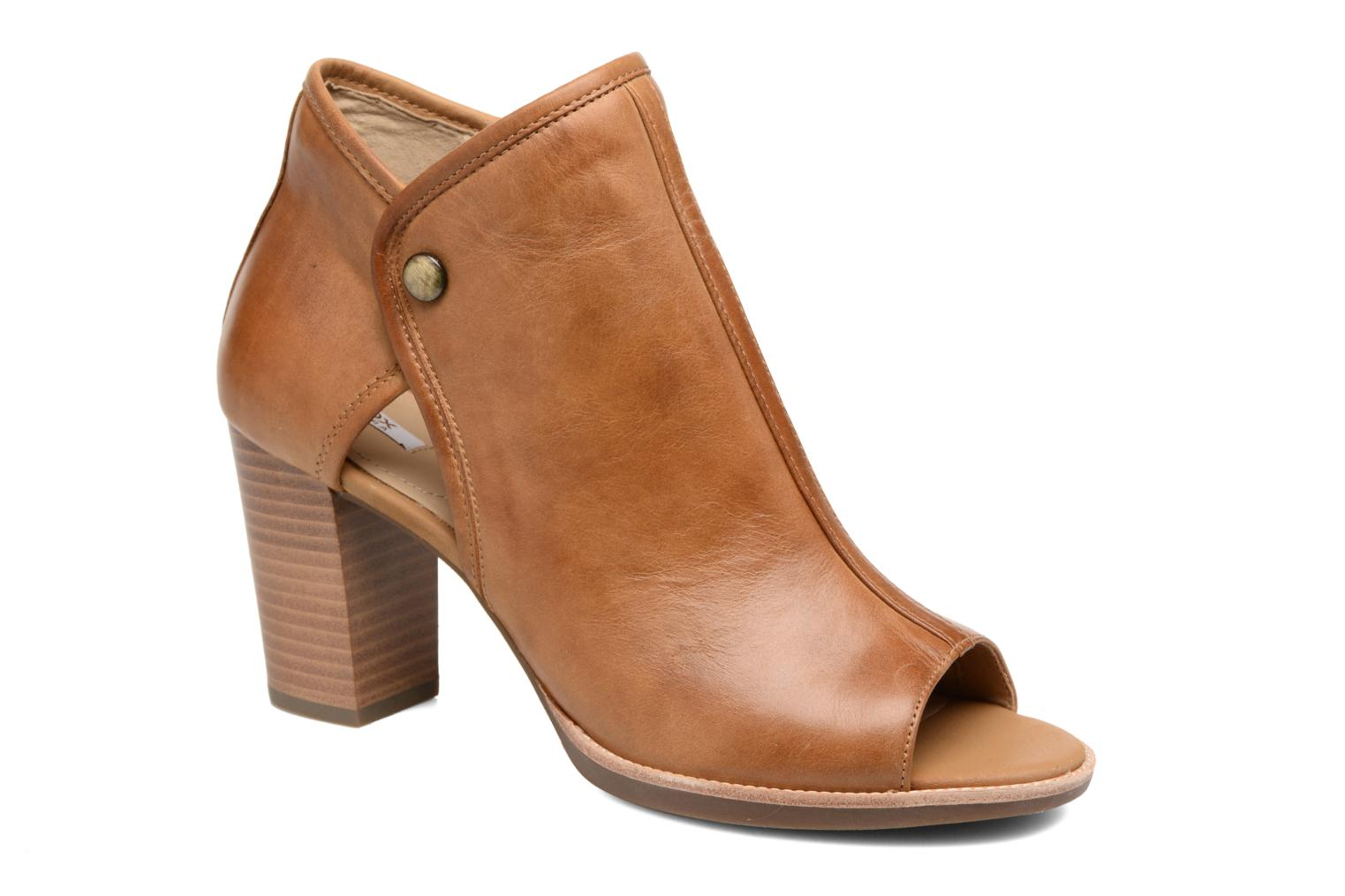 Ankle boots Geox D NEW CALLIE B D7240B Brown detailed view/ Pair view