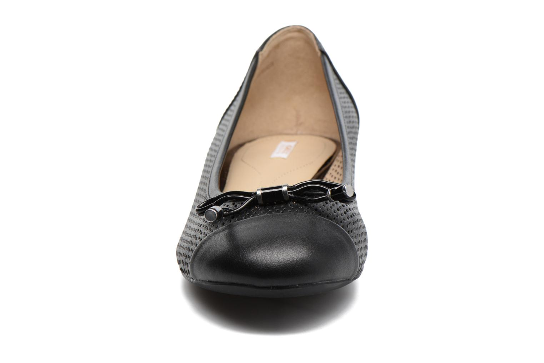 Ballerines Geox D WISTREY G D724GG Noir vue portées chaussures