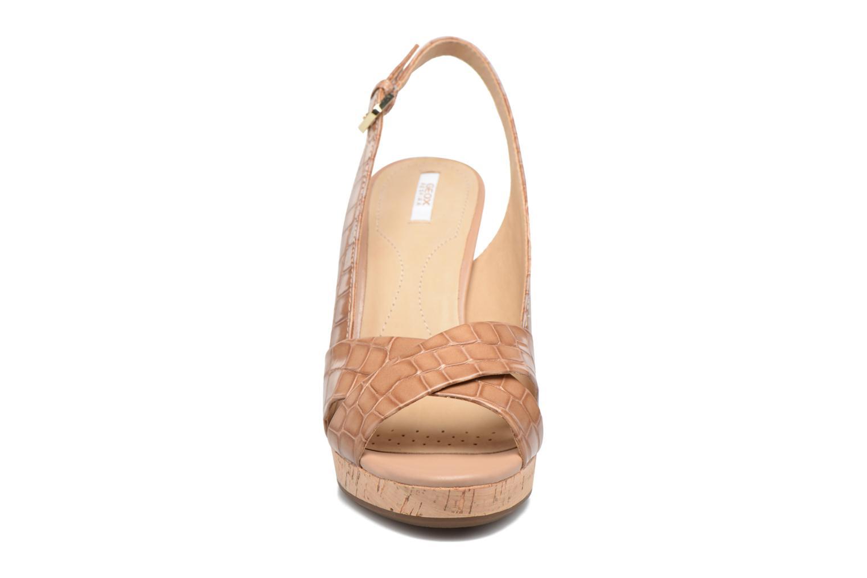 Sandali e scarpe aperte Geox D MAUVELLE C D724LC Beige modello indossato
