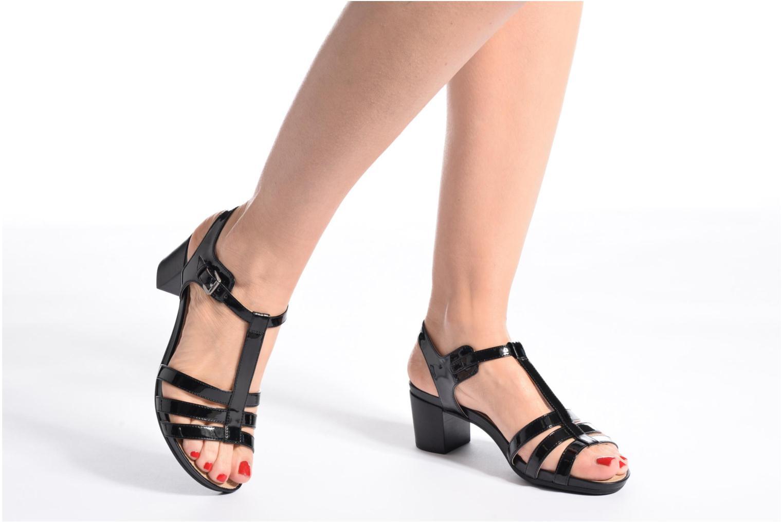 Sandales et nu-pieds Geox D SYMI C D7273C Noir vue bas / vue portée sac