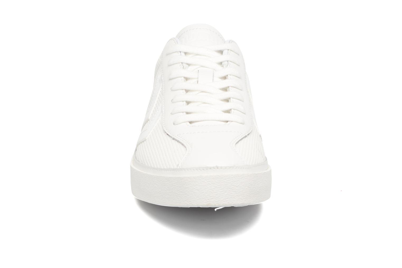 Deportivas Hummel Diamant White Stripes Blanco vista del modelo
