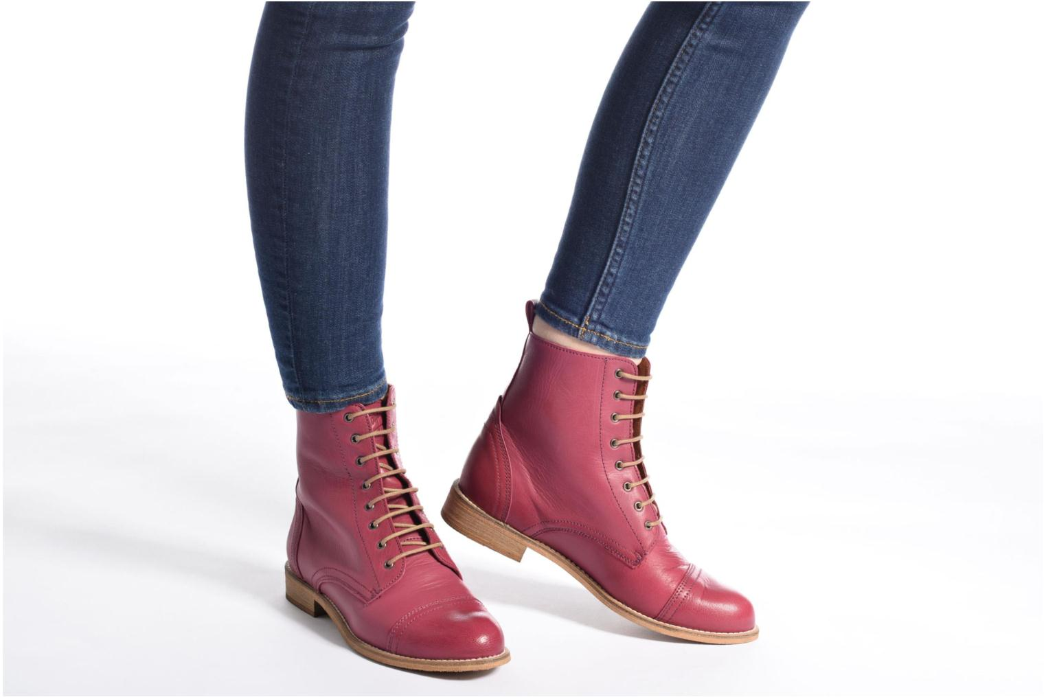 Ankle boots Ippon Vintage Denim Road Burgundy view from underneath / model view