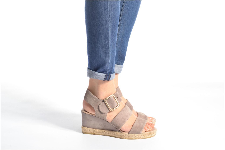 Sandales et nu-pieds Billi Bi Eléa Marron vue bas / vue portée sac