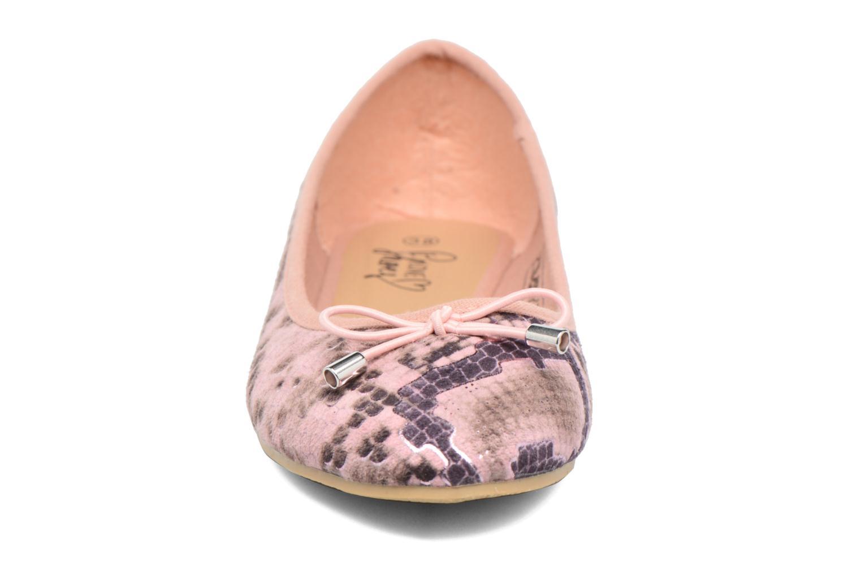 Bailarinas I Love Shoes THENSELY Rosa vista del modelo
