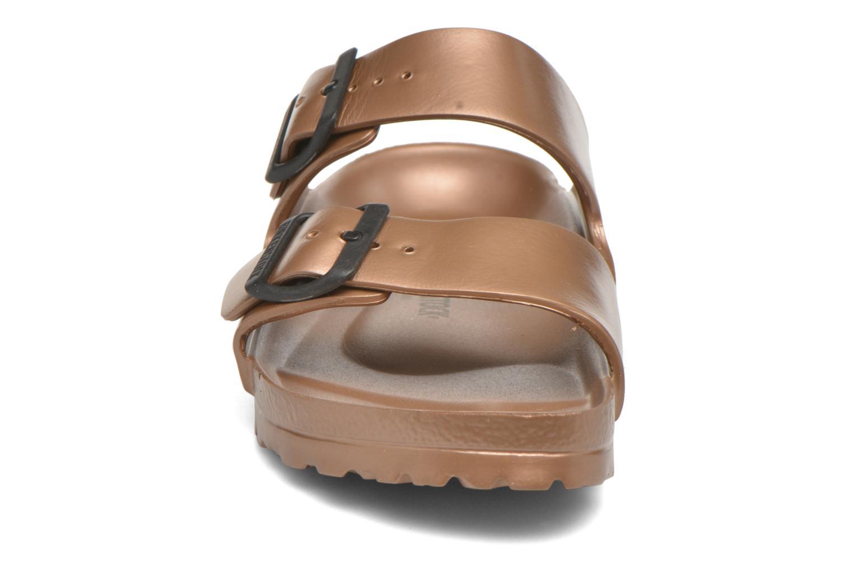 Mules et sabots Birkenstock Arizona W Marron vue portées chaussures