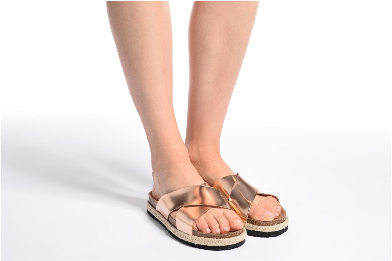 Clogs & Pantoletten I Love Shoes KANE silber ansicht von unten / tasche getragen