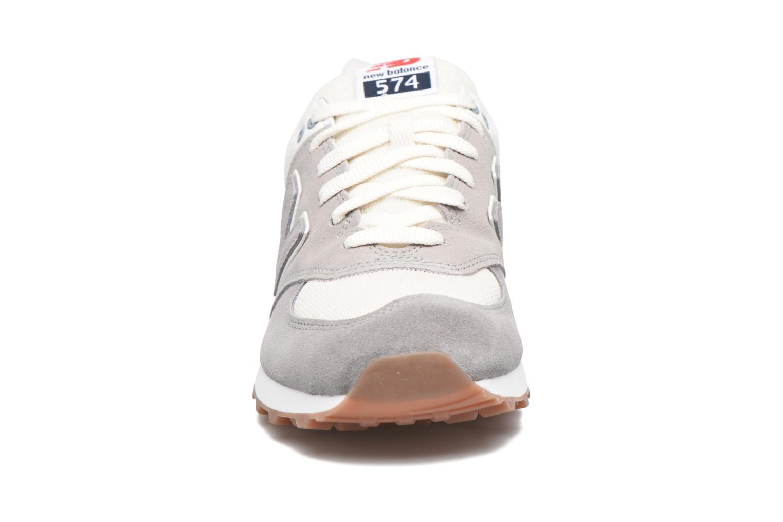 Baskets New Balance ML574 PE17 Gris vue portées chaussures