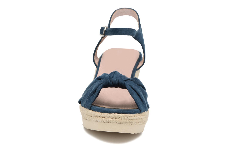 Sandali e scarpe aperte Refresh Wizin Azzurro modello indossato