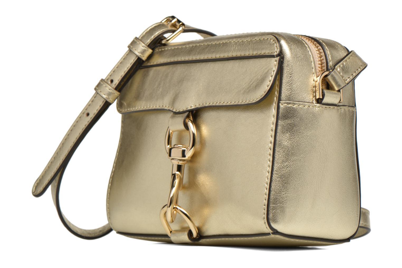 Sacs à main Rebecca Minkoff Mab Camera bag Or et bronze vue portées chaussures