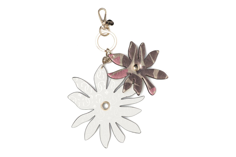 Övrigt Guess DEVYN KEYRING Flower keychain Vit bild av skorna på