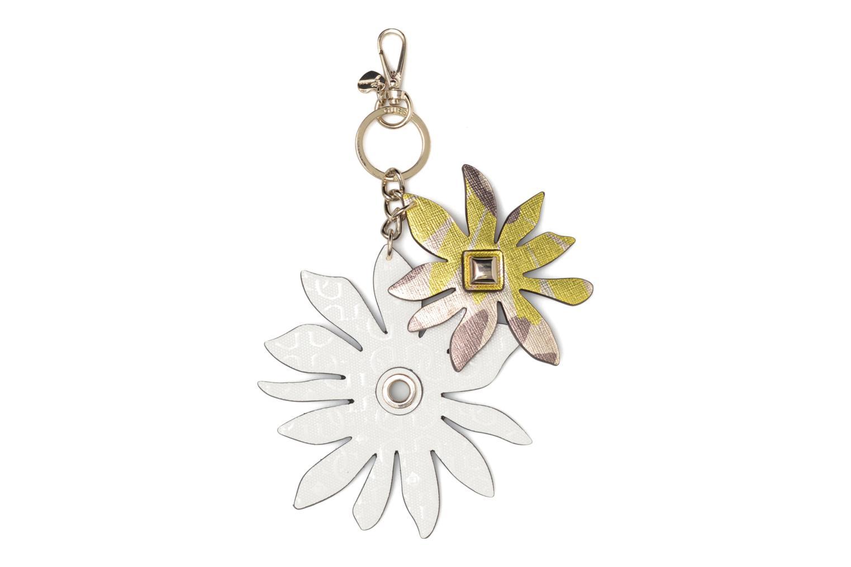 Övrigt Guess DEVYN KEYRING Flower keychain Vit detaljerad bild på paret