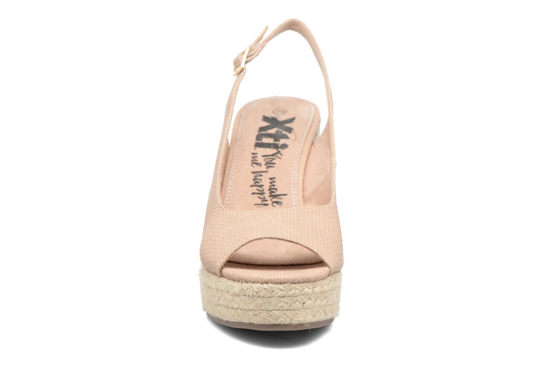 Sandali e scarpe aperte Xti Mawa 46730 Beige modello indossato