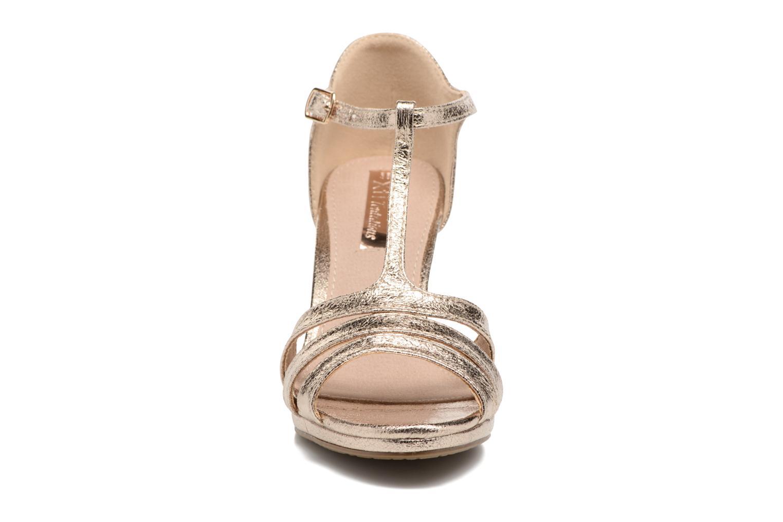 Sandales et nu-pieds Xti Omoi 30568 Or et bronze vue portées chaussures