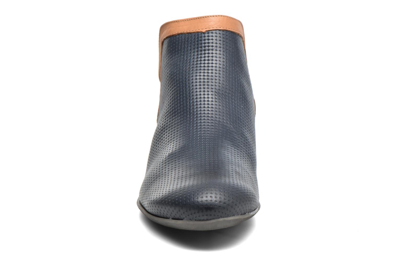 Bottines et boots Dorking Candy 7051 Bleu vue portées chaussures