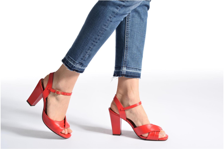 Sandales et nu-pieds Chie Mihara Asha Rouge vue bas / vue portée sac