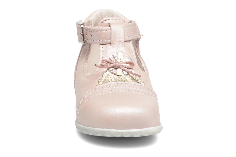 Bottines d'été Bopy Zegana Rose vue portées chaussures