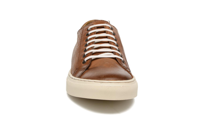 Baskets Base London Freeman Marron vue portées chaussures