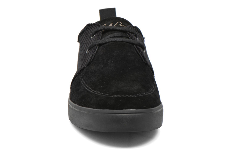 Baskets Fred Perry Shields Corduroy Suede Noir vue portées chaussures