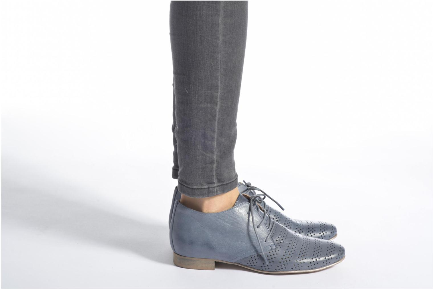 Lace-up shoes Karston Jorzi Blue view from underneath / model view