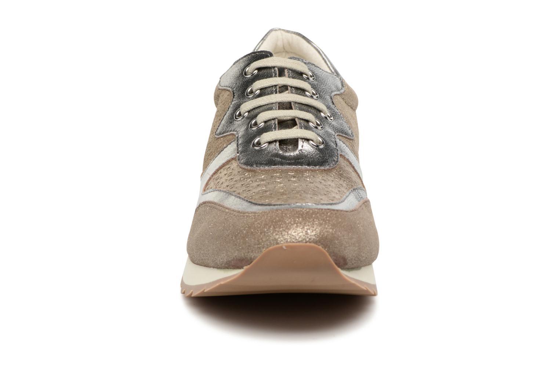 Baskets Karston Jesef Beige vue portées chaussures