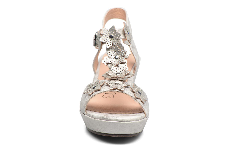 Sandales et nu-pieds Madison Esabela Argent vue portées chaussures