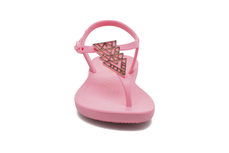 Tongs Ipanema Charm Sandal II Rose vue portées chaussures