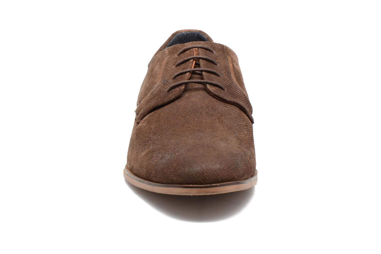 Zapatos con cordones Redskins Nesko Marrón vista del modelo