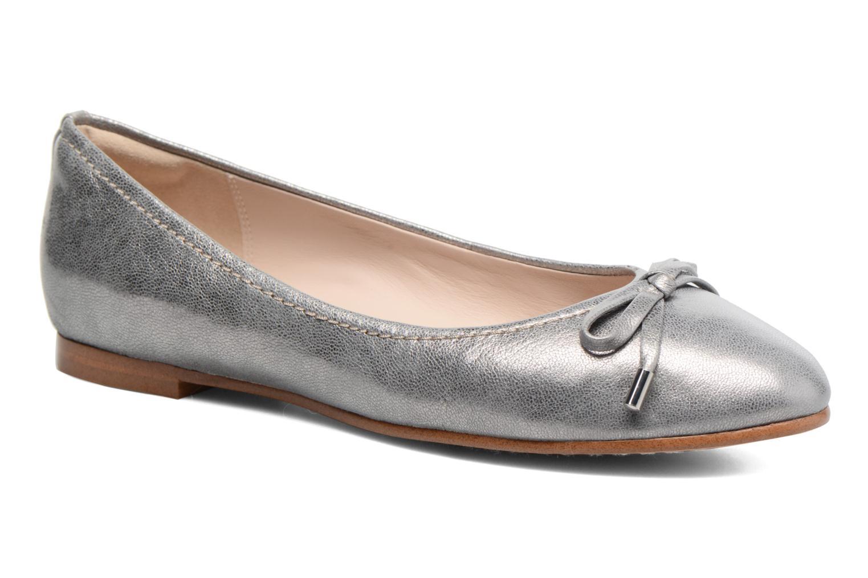 Grace Lily Silver metallic